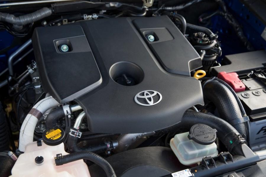 Toyota HiLux мотор