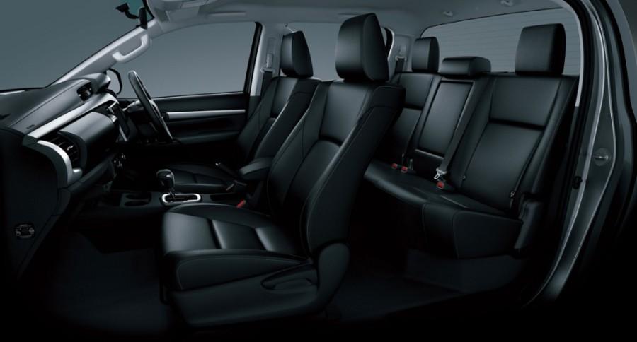 Toyota HiLux кресла