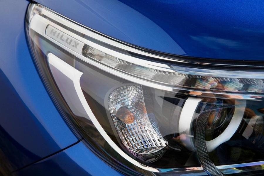 Фары Toyota Hilux 2016
